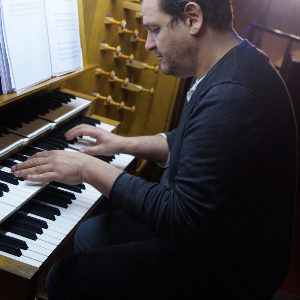 photo-tarik-jouant-orgue